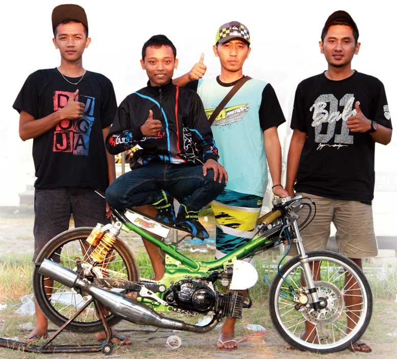 Yamaha F1z R Blitar Matic Gigi 3 Dan 4 Lahap 8 2 Detik